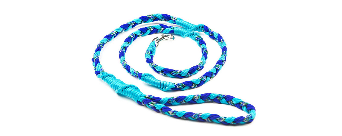 Paracord, Fleece, Webbing and Martingale Leashes. This is our Regular Braid Paracord Leash.